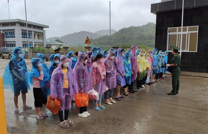 BĐBP tỉnh Cao Bằng ngăn chặn, tiếp nhận 140 công dân trở về từ Trung Quốc