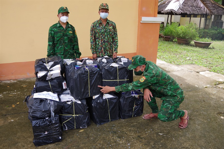 BĐBP Đồng Tháp: Thu giữ hơn 5.000 gói thuốc lá ngoại nhập lậu