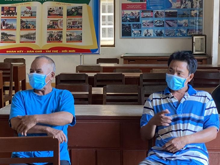 Cứu nạn 2 ngư dân trên tàu bị chìm tại cảng Dung Quất