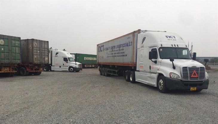 Móng Cái: Gần 5 ngàn tấn hàng hóa xuất nhập khẩu trong ngày đầu tiên thông quan sau Tết Nguyên đán Tân Sửu