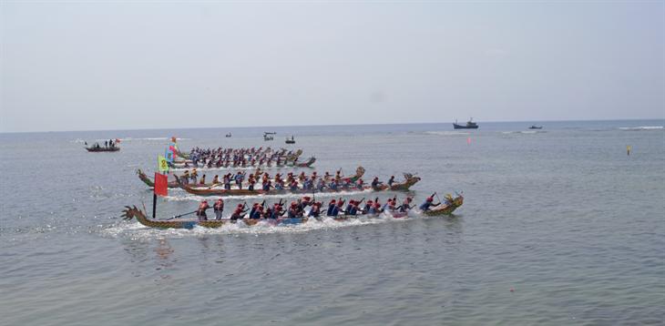 Bảo tồn và phát huy giá trị Lễ hội đua thuyền tứ linh ở Lý Sơn