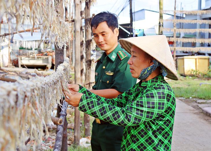 Đồng hành với nhân dân trong xây dựng đời sống văn hóa mới