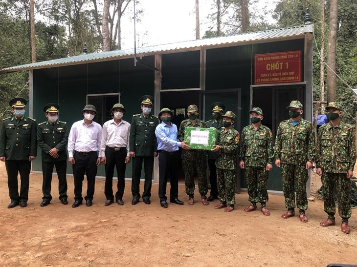 Lãnh đạo tỉnh Quảng Bình thăm, động viên cán bộ, chiến sĩ Đồn Biên phòng cửa khẩu Quốc tế Cha Lo