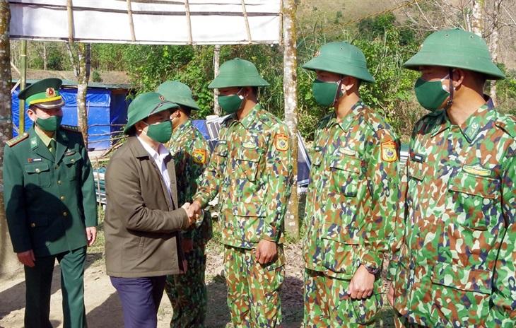 Lãnh đạo tỉnh Thừa Thiên Huế thăm, chúc Tết các tổ, chốt phòng, chống dịch Covid-19