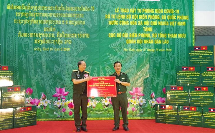 Thiếu tướng Sỉ-phăn Phút-thạ-vông gửi thư chúc mừng Thiếu tướng Lê Đức Thái