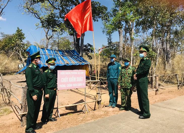 Kiểm tra công tác phòng, chống dịch Covid-19 trên tuyến biên giới Gia Lai