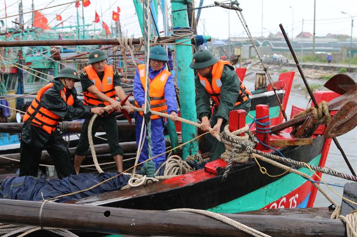 Điểm tựa vững chắc cho ngư dân vươn khơi bám biển