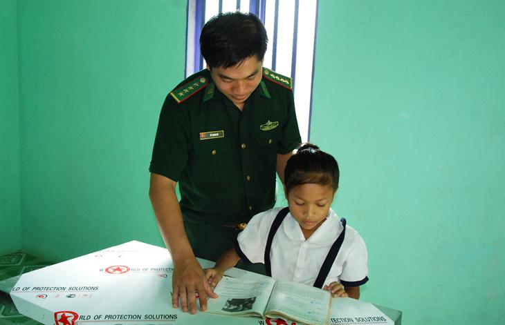 Tận tâm với học sinh nghèo nơi biên giới