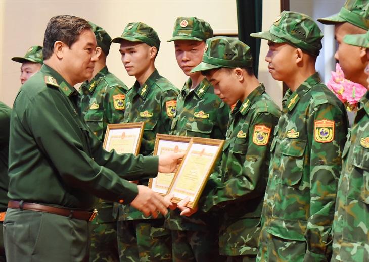 BĐBP Lạng Sơn: Tổng kết việc bố trí, sử dụng lực lượng tăng cường tham gia phòng, chống dịch Covid-19