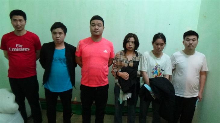 Tiếp nhận và trao trả 6 công dân Trung Quốc nhập cảnh trái phép vào Việt Nam