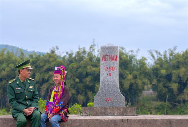 Núi Thái Sơn của cô bé mồ côi Phùn Thị Mai