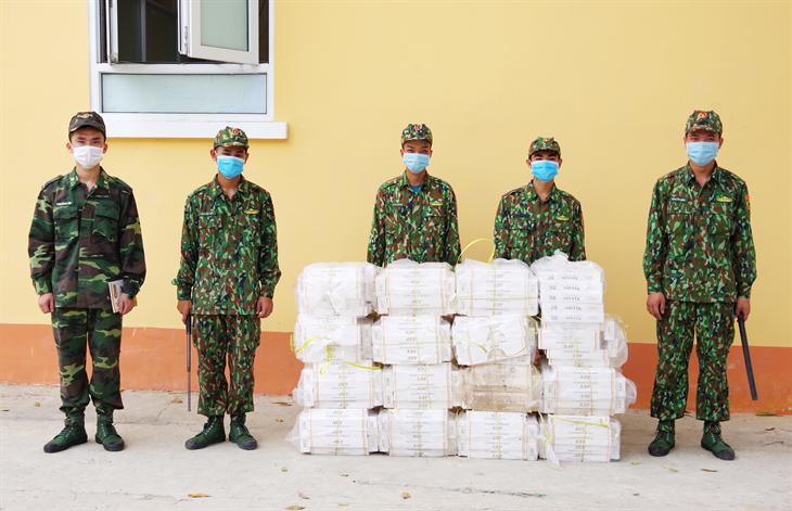 Thu giữ 4.000 gói thuốc lá ngoại nhập lậu