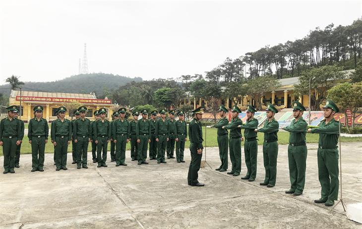 Quy định của Luật Biên phòng Việt Nam về bảo đảm nguồn nhân lực