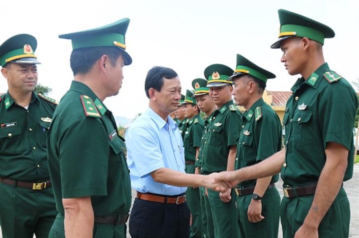 Bí thư Tỉnh ủy Kon Tum thăm, làm việc với Đồn Biên phòng Sa Loong
