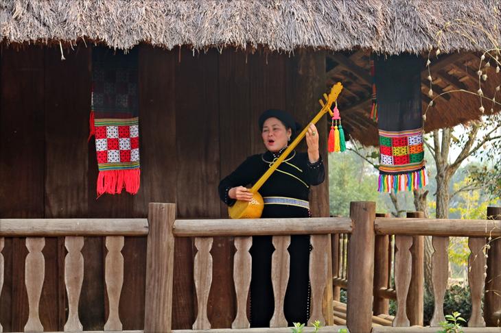 Nối dài âm sắc muôn màu văn hóa dân tộc