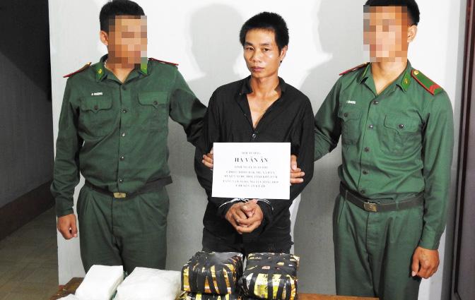 Đánh án ma túy trên ngã ba Đông Dương