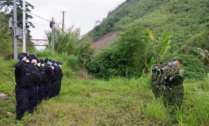 Tổ chức hoạt động tuần tra liên hợp chấp pháp trên biên giới