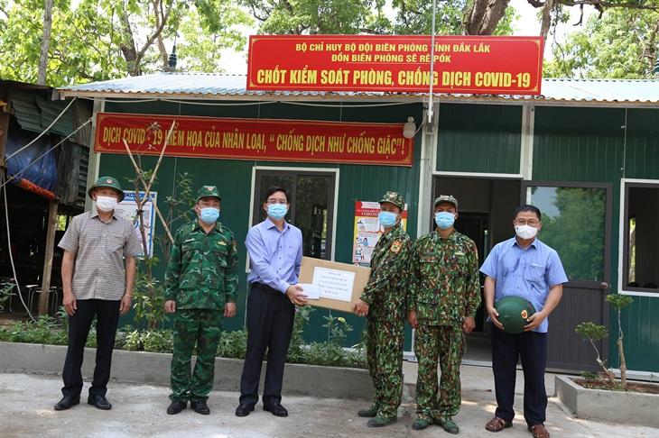 Bí thư Tỉnh ủy Đắk Lắk kiểm tra công tác phòng, chống dịch Covid-19 trên biên giới
