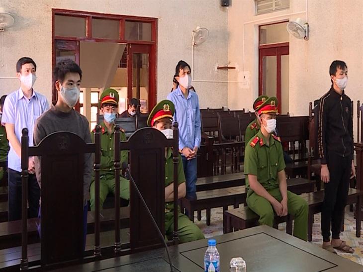 Điện Biên xét xử 5 đối tượng đưa người xuất cảnh trái phép