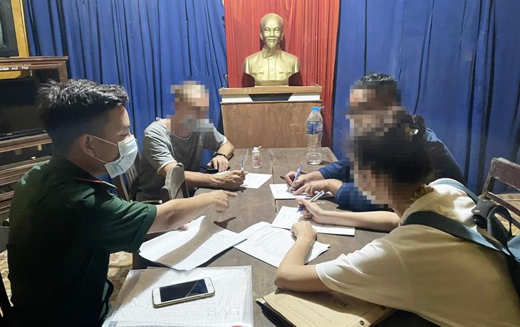 Xử phạt nhóm người vi phạm quy định phòng, chống dịch Covid-19