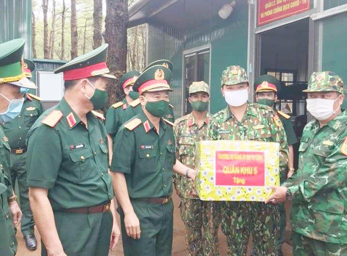 Tư lệnh Quân khu 5 động viên cán bộ, chiến sĩ làm nhiệm vụ phòng, chống dịch Covid-19 trên biên giới Đắk Nông