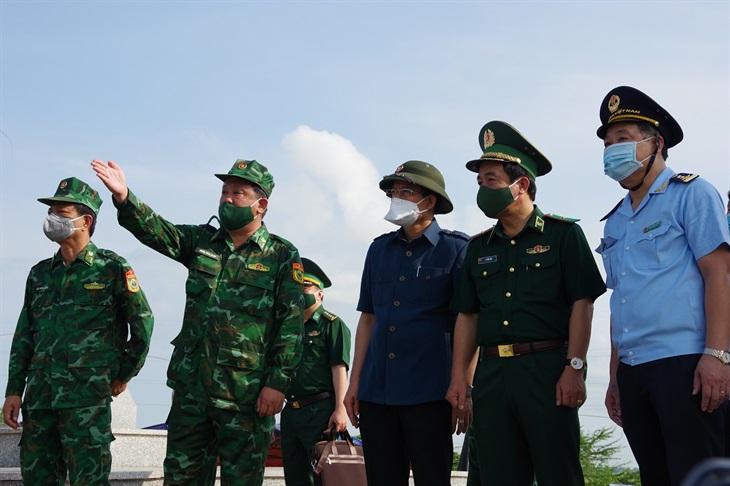 Tư lệnh BĐBP kiểm tra công tác phòng, chống dịch Covid-19 trên tuyến biên giới An Giang