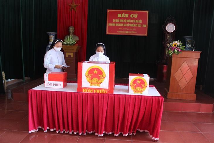 Nam Định: Giáo dân nô nức đi bầu cử