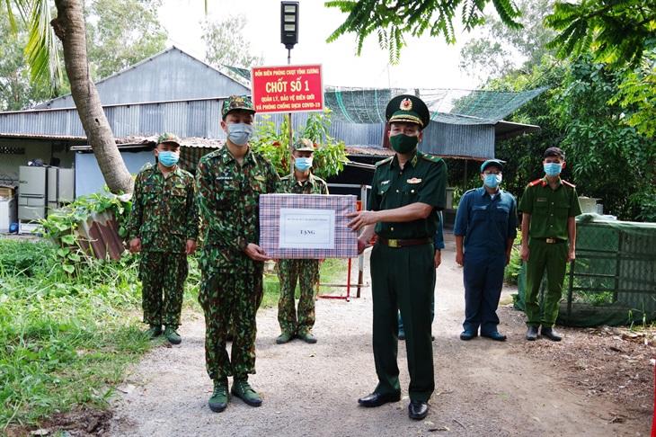 Kiểm tra công tác phòng, chống dịch Covid-19 trên tuyến biên giới thị xã Tân Châu