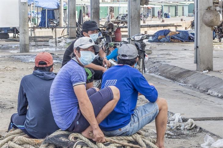 Quảng Ngãi: Ngư dân chưa đi biển vì lo ngại Covid-19