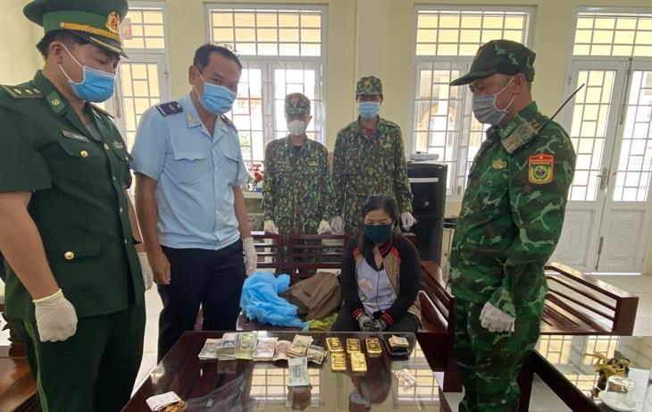 Phá chuyên án buôn lậu 5 kg vàng qua biên giới An Giang