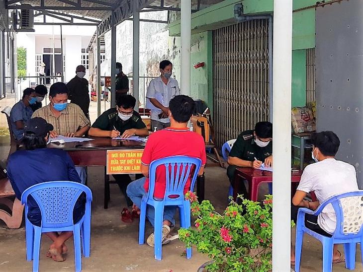 BĐBP Cà Mau: Bắt giữ tàu cá Bình Thuận chở 2 người nhập cảnh trái phép từ vùng biển nước ngoài