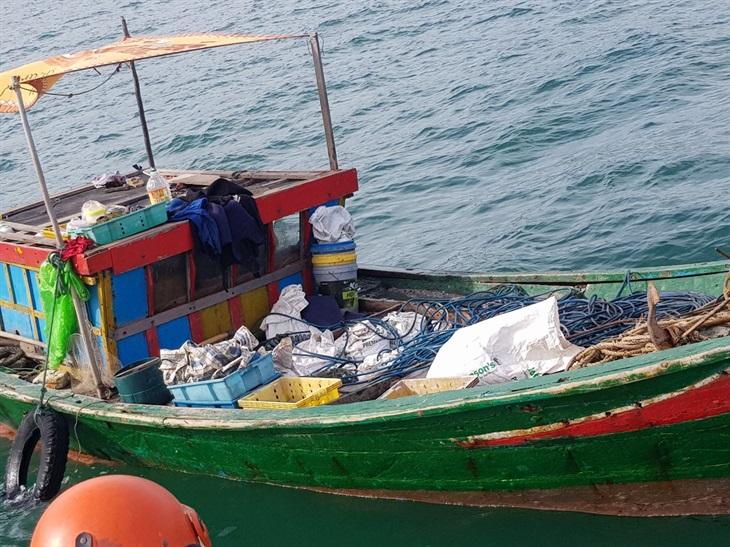 Phát hiện, ngăn chặn người dân trục vớt tài sản chìm đắm dưới biển