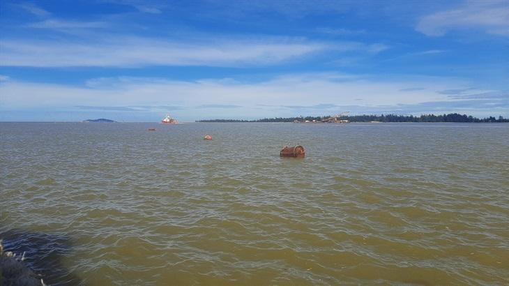 Khẩn trương tìm kiếm, cứu nạn 2 bè mảng chết máy trôi dạt trên biển