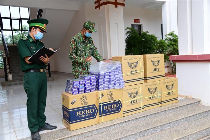 Bắt 4.000 bao thuốc lá ngoại nhập lậu
