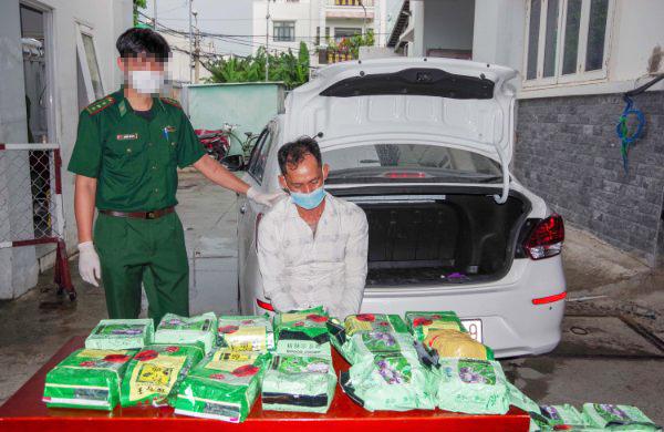 Hành trình bắt giữ đối tượng vận chuyển 20kg ma túy tổng hợp