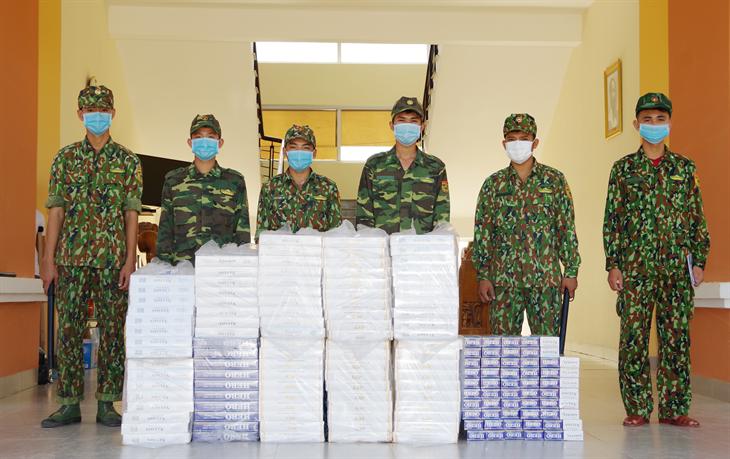 Phát hiện vụ hàng lậu vô chủ, thu giữ 5.000 gói thuốc lá ngoại