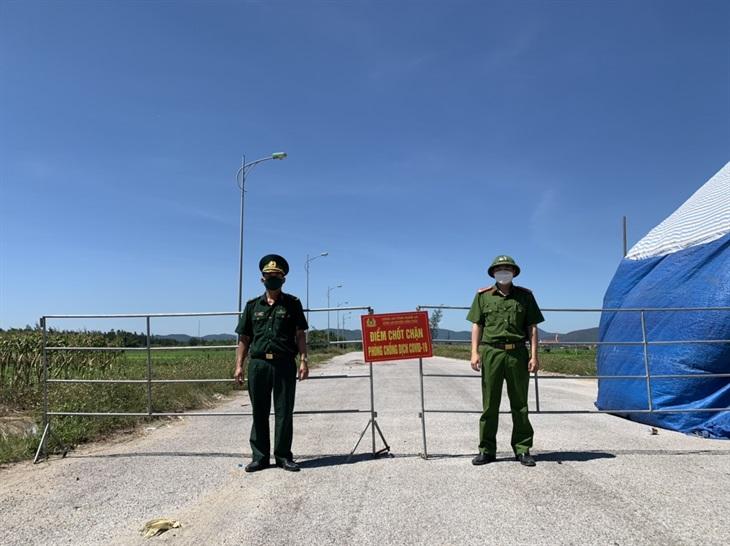 BĐBP Nghệ An: Tăng cường lực lượng thực hiện nhiệm vụ tại khu cách ly và chốt kiểm soát phòng, chống dịch Covid-19 ven biển