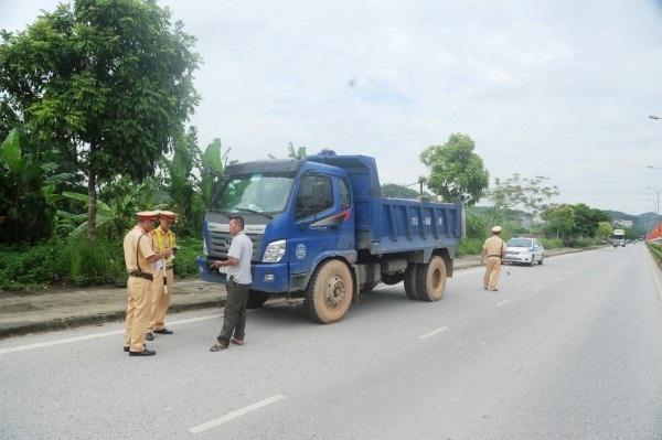 Quyết liệt thực hiện các giải pháp kiềm chế tai nạn giao thông