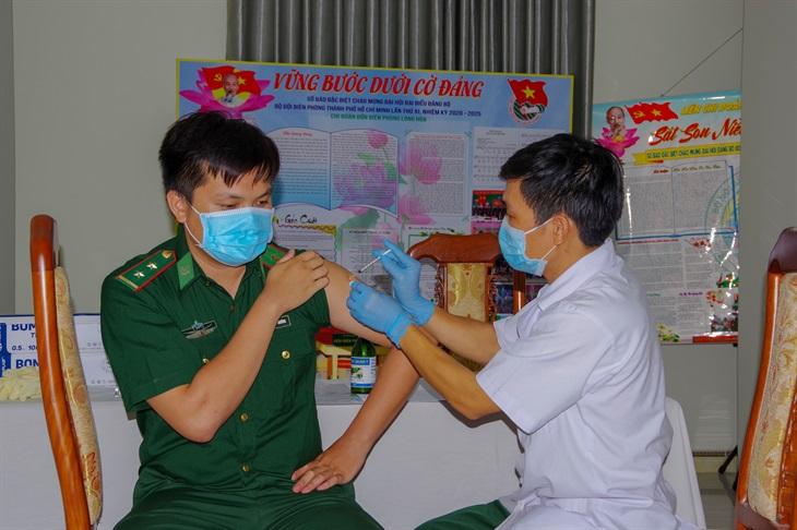 Tiêm vaccine phòng Covid-19 cho toàn bộ cán bộ, chiến sĩ BĐBP thành phố Hồ Chí Minh