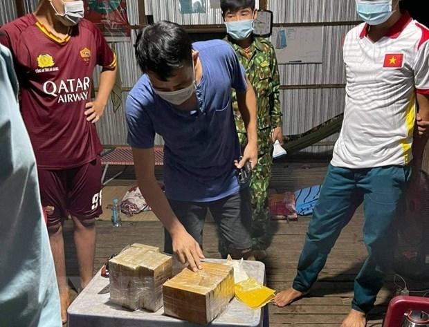 An Giang điều tra, mở rộng vụ vận chuyển hơn 7kg ma túy qua biên giới