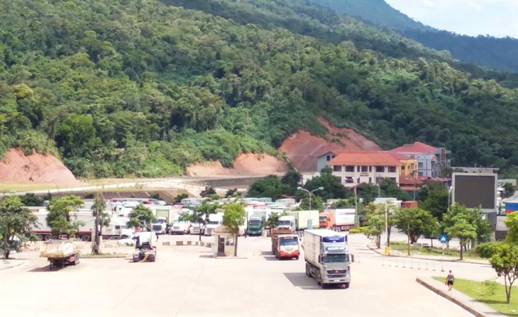 Thương mại Việt Nam - Lào: Khai thác các lợi thế để phát triển