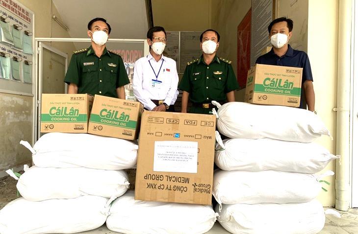 BĐBP Bà Rịa - Vũng Tàu: Hỗ trợ 5 tấn gạo cho người nghèo trên địa bàn biên giới biển bị ảnh hưởng bởi dịch Covid-19