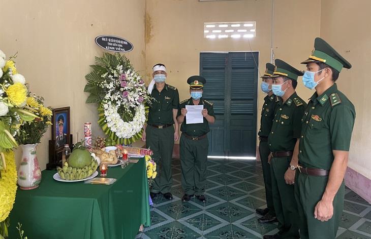 Cán bộ BĐBP chịu tang người thân nơi tuyến đầu phòng, chống dịch Covid-19