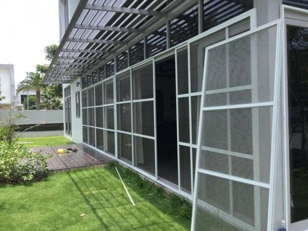 Lắp đặt cửa lưới chống muỗi tại Best Decor