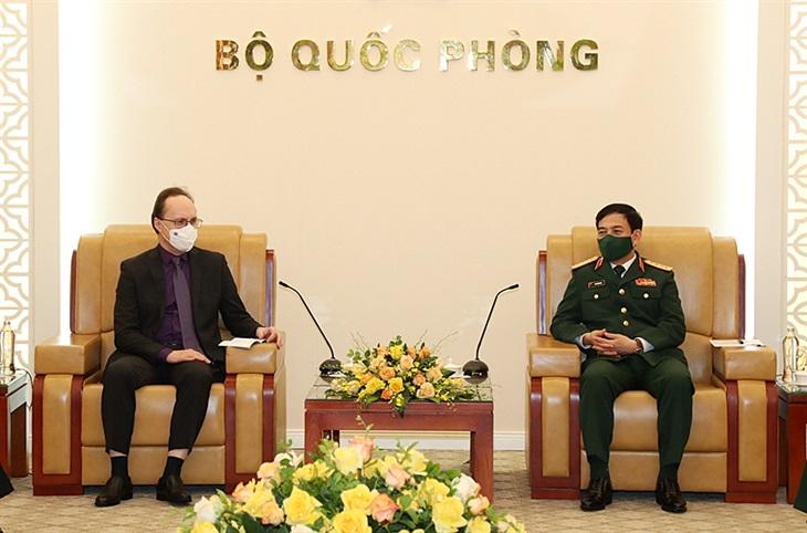 Đại tướng Phan Văn Giang tiếp Đại sứ Liên bang Nga
