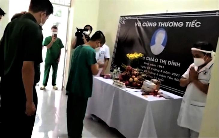 Y sĩ tình nguyện người Mông chịu tang mẹ nơi tuyến đầu chống dịch