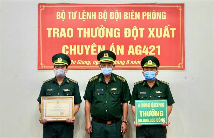 Bộ Tư lệnh BĐBP tặng Bằng khen cho lực lượng tham gia đấu tranh Chuyên án AG421