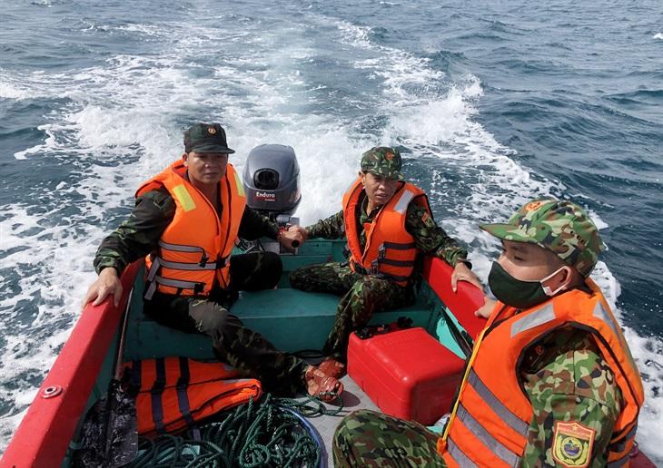 Tìm kiếm ngư dân mất tích trên vùng biển Quảng Nam