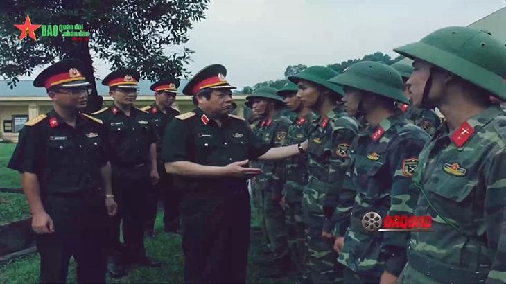 Phim tài liệu Người con làng Thạch Đà