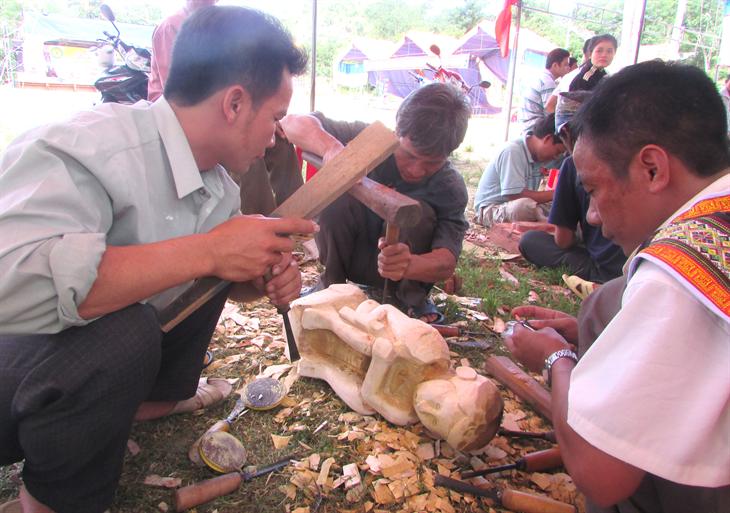 Lấy người dân làm chủ thể trong bảo tồn văn hóa truyền thống